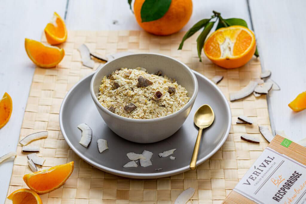 Trockenobst stellt eine gesunde Alternative als Süße im Porridge dar